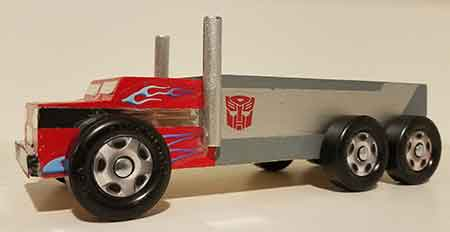 Example of finished Semi Truck pinewood derby car