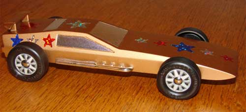 Gold pinewood derby car